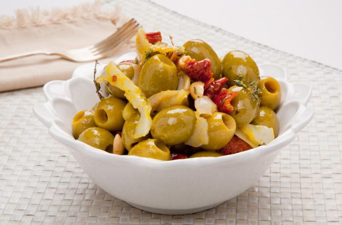 Hiszpańskie zielone oliwki z dorszem