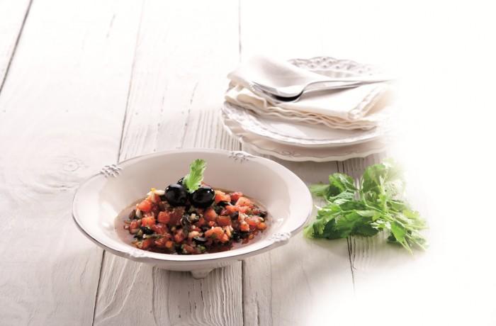 Oliwkowa sałatka z pomidorami i kolendrą <em>(AFRYKA)</em>
