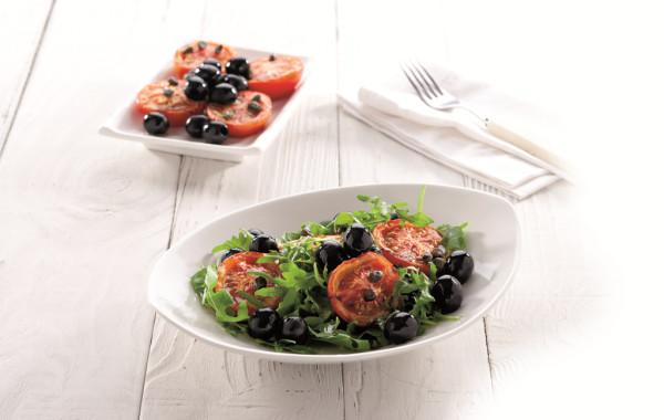 Pieczone pomidory z sałatką z oliwek <em>(OCEANIA)</em>